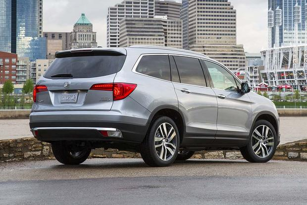 2016 Honda Pilot vs. 2016 Nissan Pathfinder: Which Is Better? featured image large thumb9