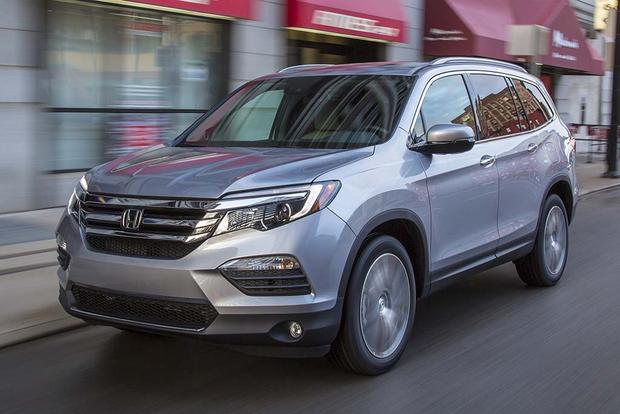 2016 Honda Pilot vs. 2017 Hyundai Santa Fe: Which Is Better? featured image large thumb11