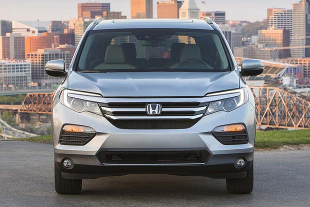 2016 Honda Pilot vs. 2017 Hyundai Santa Fe: Which Is Better? featured image large thumb5