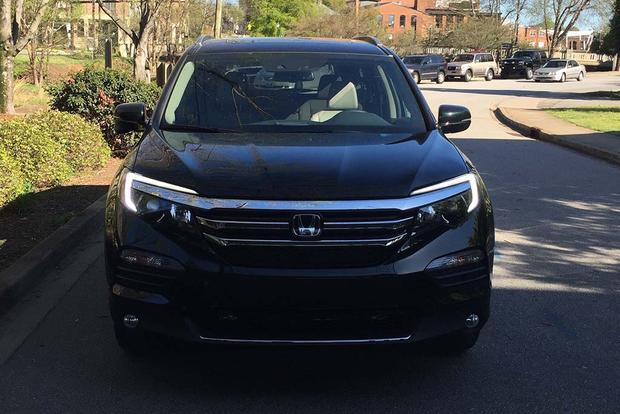 2016 Honda Pilot: Get a Good Look featured image large thumb4