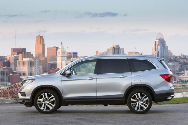 2017 Honda Pilot: New Car Review featured image large thumb1