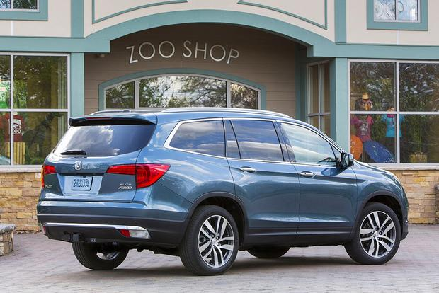 2018 Honda Pilot: New Car Review featured image large thumb2