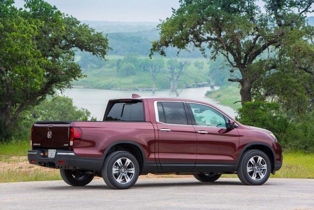 2017 Honda Ridgeline: First Drive Review featured image large thumb1