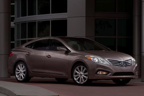 2013 Hyundai Azera: New Car Review featured image large thumb3