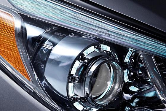 2013 Hyundai Azera: New Car Review featured image large thumb8
