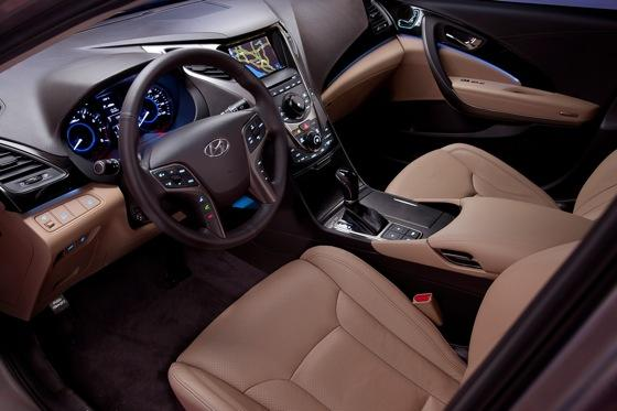 2013 Hyundai Azera: New Car Review featured image large thumb11