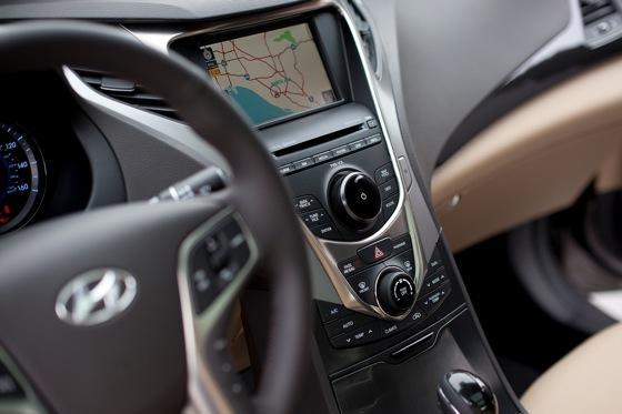 2013 Hyundai Azera: New Car Review featured image large thumb13