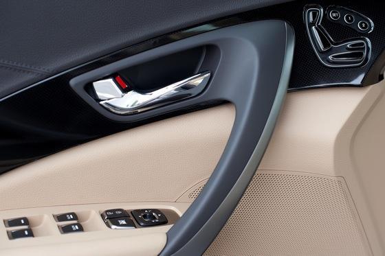 2013 Hyundai Azera: New Car Review featured image large thumb19