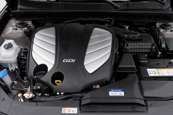 2013 Hyundai Azera: New Car Review featured image large thumb20