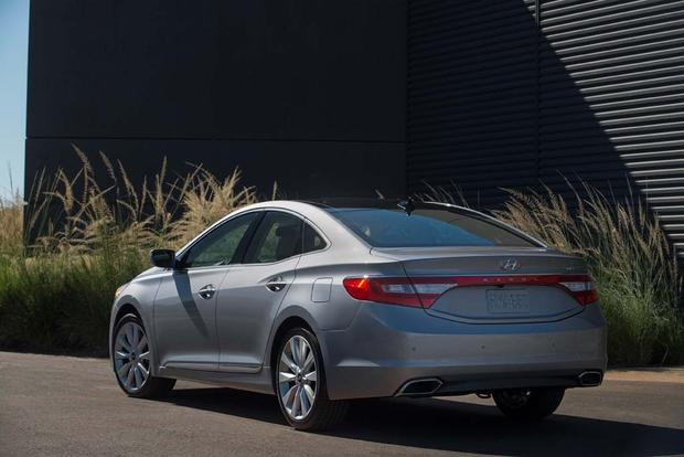 2017 Hyundai Azera: New Car Review featured image large thumb3