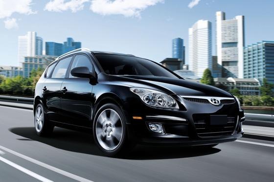 2012 hyundai elantra touring new car review autotrader. Black Bedroom Furniture Sets. Home Design Ideas