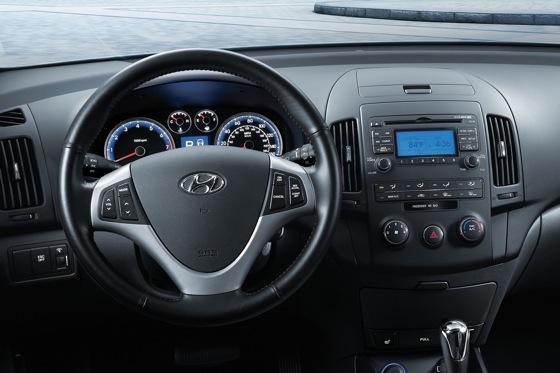 2012 Hyundai Elantra Touring - Image Gallery featured image large thumb3