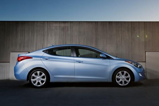 Hyundai Elantra 2012 Model >> 2012 Hyundai Elantra New Car Review Autotrader