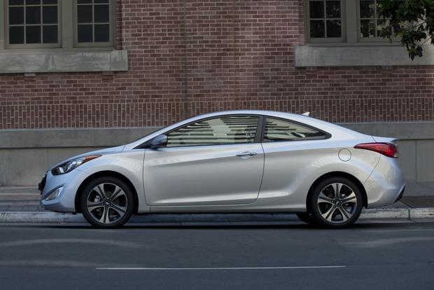2013 Hyundai Elantra: New Car Review featured image large thumb2