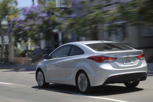 2013 Hyundai Elantra: New Car Review featured image large thumb3
