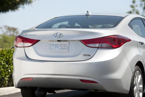 2013 Hyundai Elantra: New Car Review featured image large thumb6