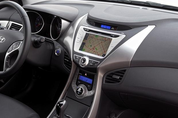 2013 vs. 2014 Hyundai Elantra: What's the Difference? featured image large thumb9