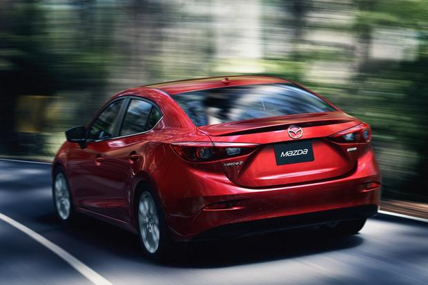 2014 Hyundai Elantra vs. 2014 Mazda3: Which Is Better? featured image large thumb1
