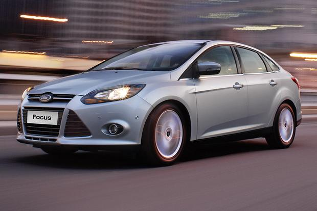 2011-2015 Hyundai Elantra vs. 2012-2015 Ford Focus: Which is Better? featured image large thumb2