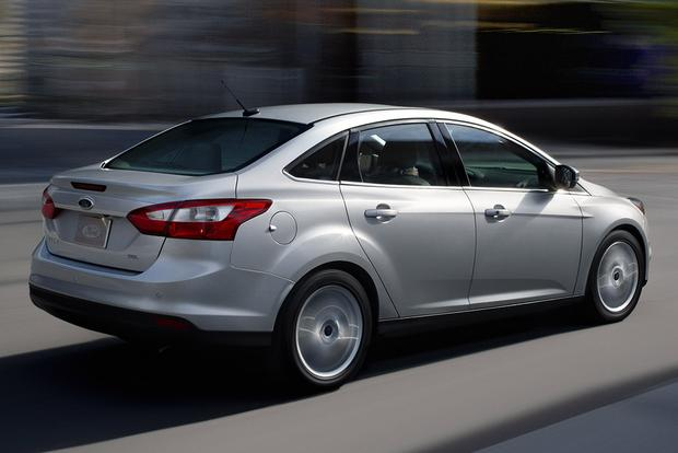2011-2015 Hyundai Elantra vs. 2012-2015 Ford Focus: Which is Better? featured image large thumb6