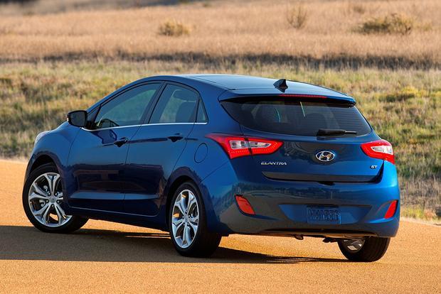2015 hyundai elantra gt new car review autotrader. Black Bedroom Furniture Sets. Home Design Ideas