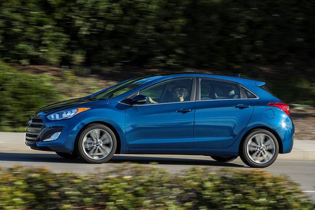 2016 Hyundai Elantra Gt New Car Review Featured Image Large Thumb2