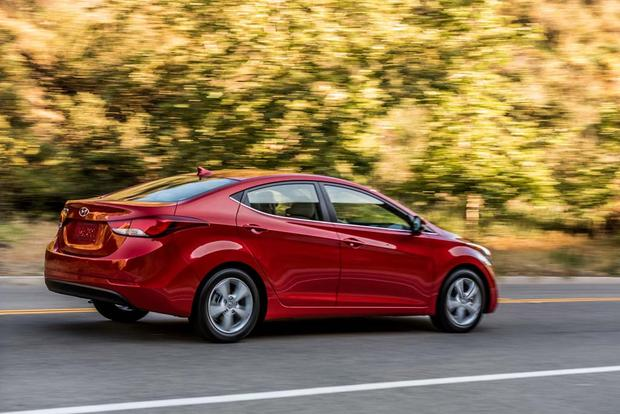 2016 Hyundai Elantra: New Car Review featured image large thumb5
