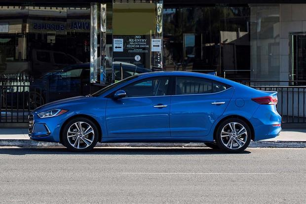 2016 vs. 2017 Hyundai Elantra: What's the Difference? featured image large thumb6