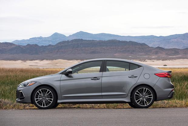 2017 hyundai elantra sport first drive review autotrader. Black Bedroom Furniture Sets. Home Design Ideas