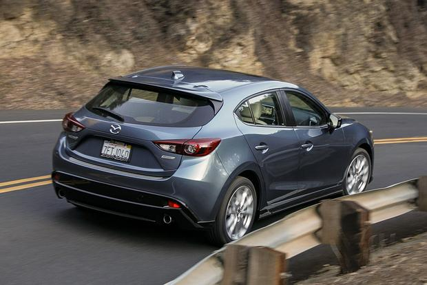 2017 Hyundai Elantra Vs 2016 Mazda3 Which Is Better Featured Image Large Thumb10