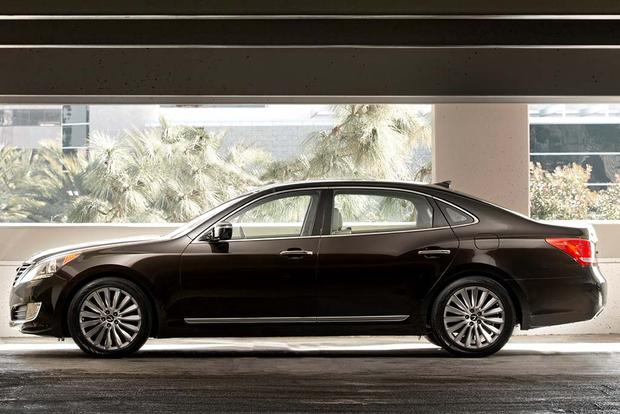 2016 Hyundai Equus: New Car Review featured image large thumb3
