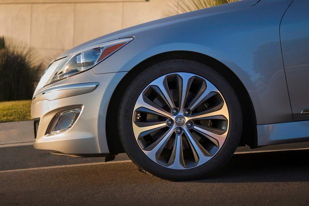 2012 Hyundai Genesis: New Car Review featured image large thumb15