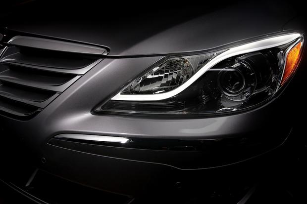 2012 Hyundai Genesis: New Car Review featured image large thumb16