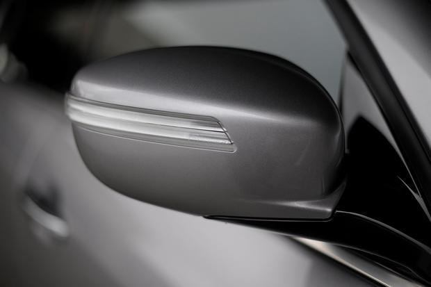 2012 Hyundai Genesis: New Car Review featured image large thumb18