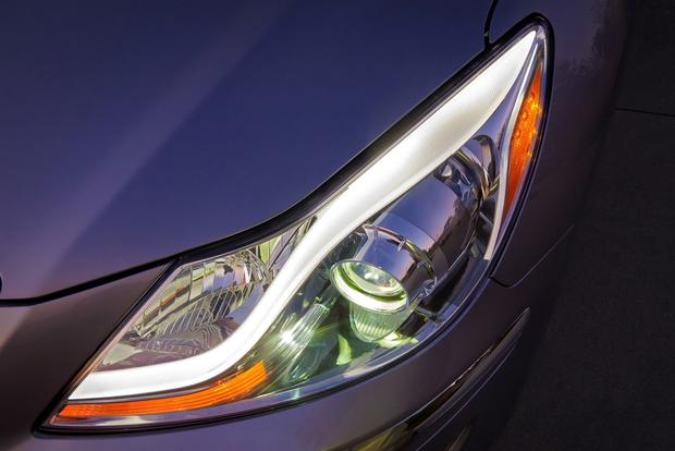2014 Hyundai Genesis: New Car Review featured image large thumb4