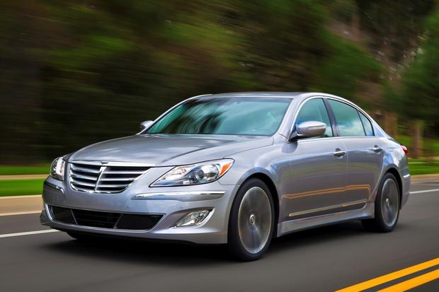 2014 vs. 2015 Hyundai Genesis: What's the Difference? featured image large thumb4