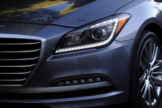 2014 vs. 2015 Hyundai Genesis: What's the Difference? featured image large thumb2