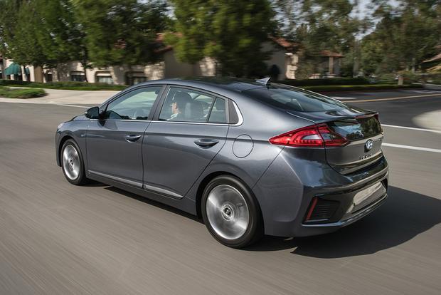 2018 Hyundai Ioniq: New Car Review featured image large thumb2