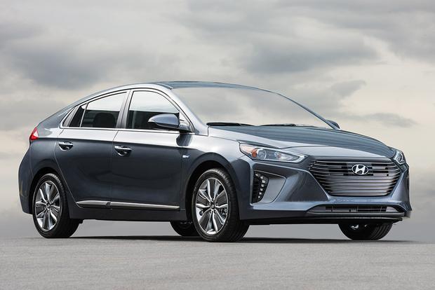 2018 Hyundai Ioniq: New Car Review featured image large thumb4