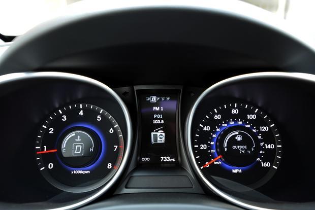 2013 Hyundai Santa Fe - Image Gallery featured image large thumb7