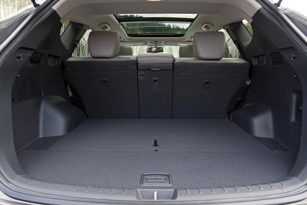 2013 Hyundai Santa Fe - Image Gallery featured image large thumb12