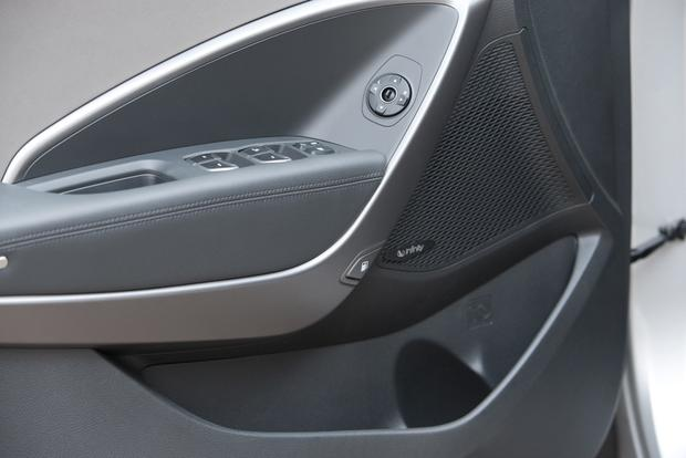 2013 Hyundai Santa Fe - Image Gallery featured image large thumb13