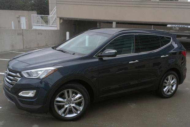 2013 Hyundai Santa Fe Sport 2.0T featured image large thumb1