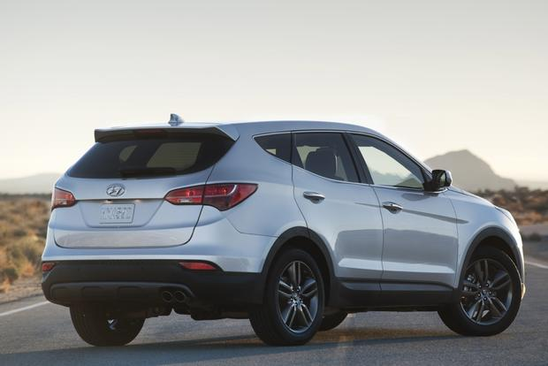 2013 Hyundai Santa Fe: New vs. Old featured image large thumb6