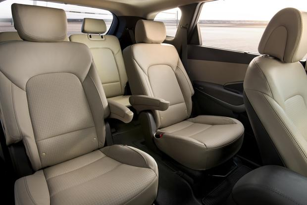 2013 Hyundai Santa Fe: New vs. Old featured image large thumb8