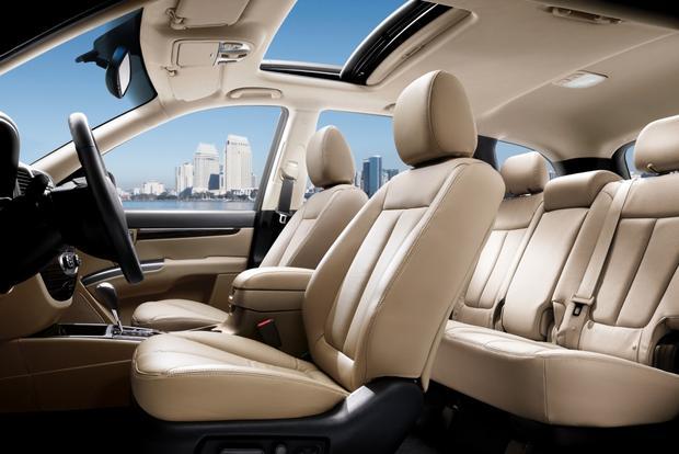 2013 Hyundai Santa Fe: New vs. Old featured image large thumb9
