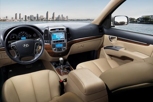 2013 Hyundai Santa Fe: New vs. Old featured image large thumb11