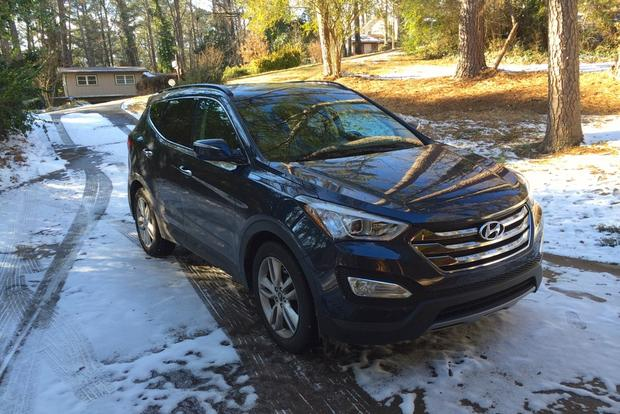 2013 Hyundai Santa Fe Sport: Spending Time in the Snow featured image large thumb0