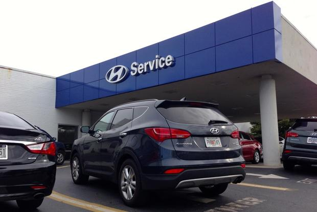 2013 Hyundai Santa Fe Sport: Visiting the Dealership featured image large thumb1