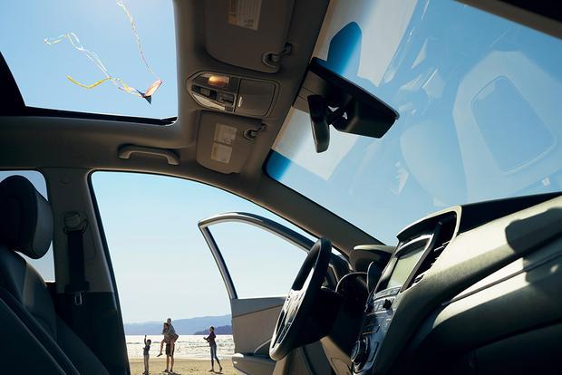 2017 Hyundai Santa Fe Sport: New Car Review featured image large thumb3